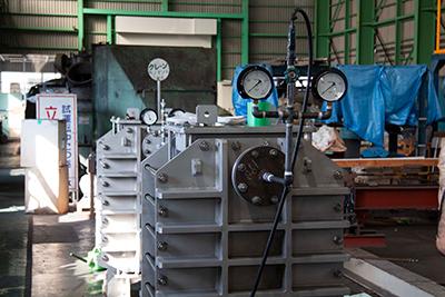 化学機器製造